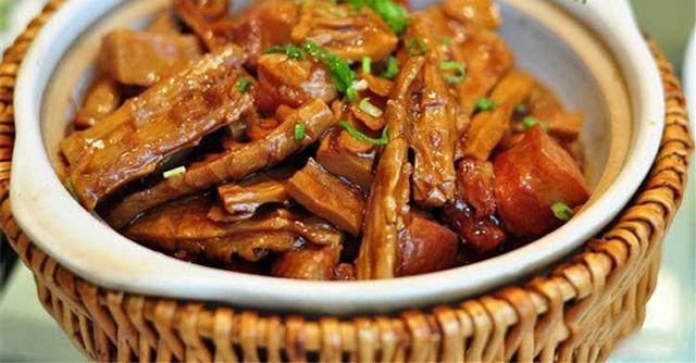 Món Măng Kho Thịt Rau Củ với Măng Le Rừng Khô - MP Fruit