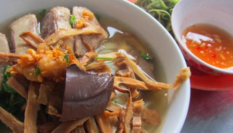 Món Bún Vịt với Măng Le Rừng Khô Danny Green - MP Fruit