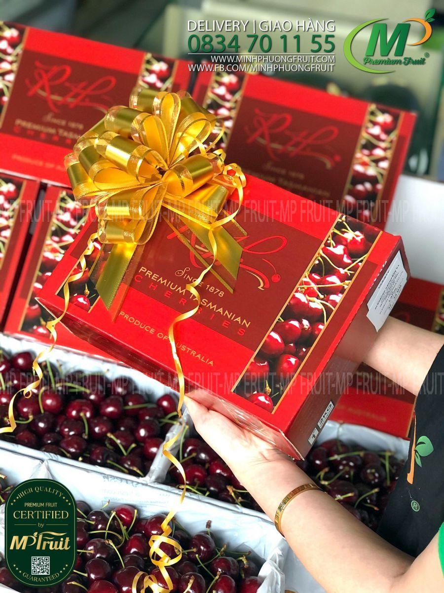 Cherry Đỏ Tasmania Size 32-34 RH Since 1878 - Hộp Quà Tặng 2kg thương hiệu lâu năm của Úc tại MP Fruit