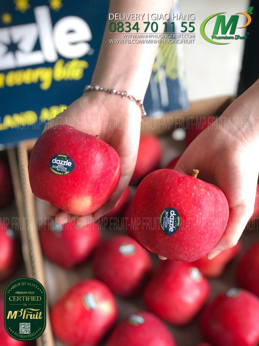 Táo Dazzle Organic New Zealand tại MP Fruit